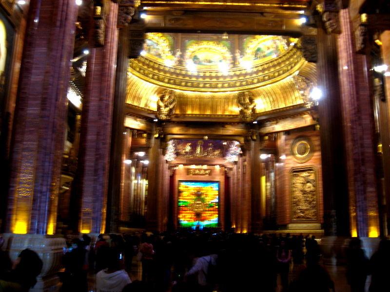 wuxi - interno tempio di Brahma