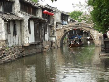Zhouzhuang - ponte a gobba d'asino
