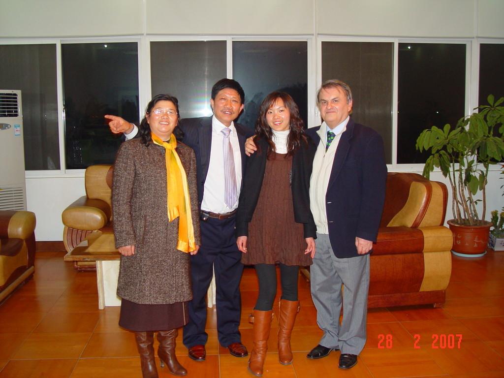 Mr.chen e moglie Peppe e segretaria