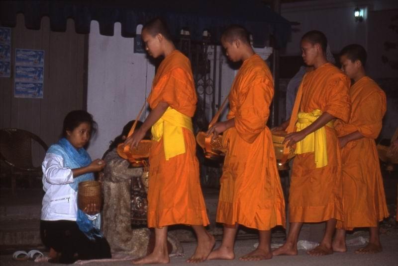 Luang Prabang  monaci