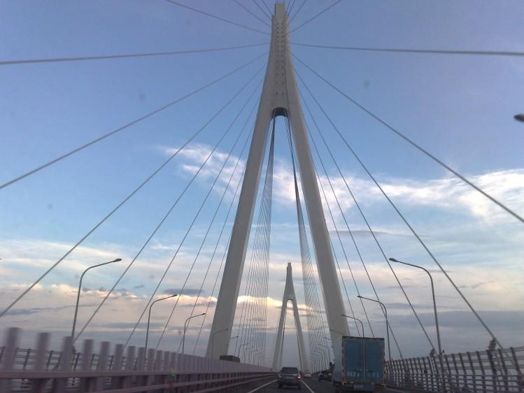 ponte di Hangzhou Bay - parte sospesa