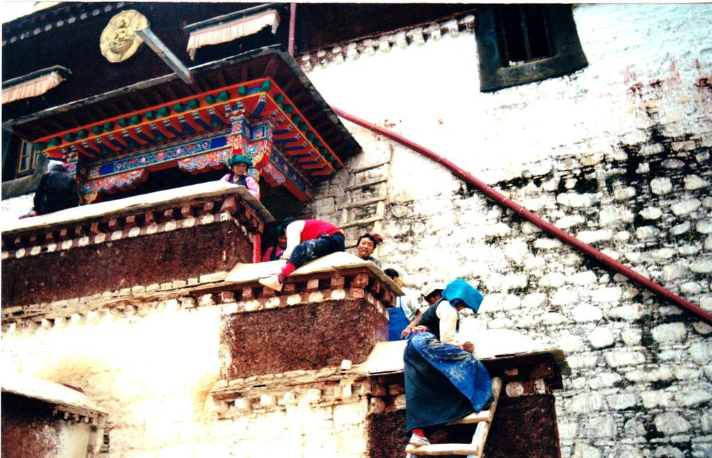 Xigatse monastero Labulenshi lavori ristrutturazione
