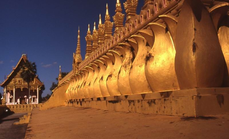 Vientiane That Louang tempio