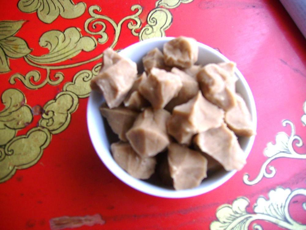 cibo tibetano - tsampa in blocchetti