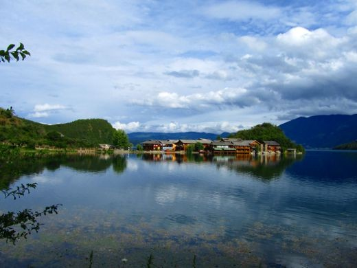 Luku lake villaggio Lije