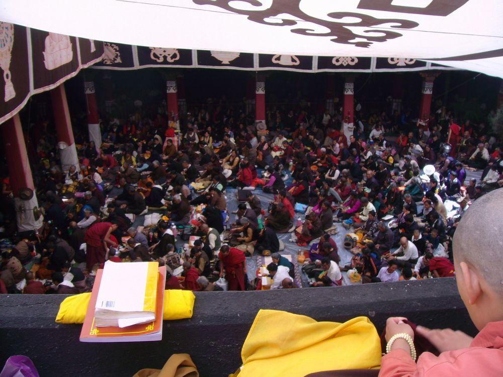 cerimonia nel cortile del Jokang