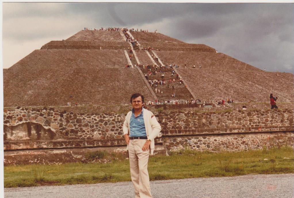 Mexico - Teotihuacan - piramide del sole