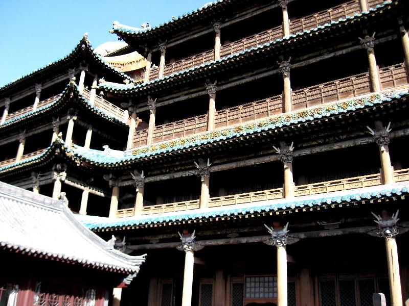 le grotte risalgono alla dinastia Wei 460-525DC