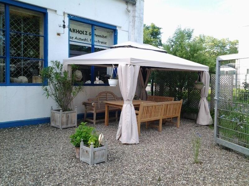 SommerCafé vor dem Haus