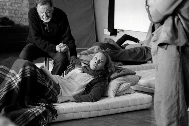 Photos des acteurs de la pièce sur scène