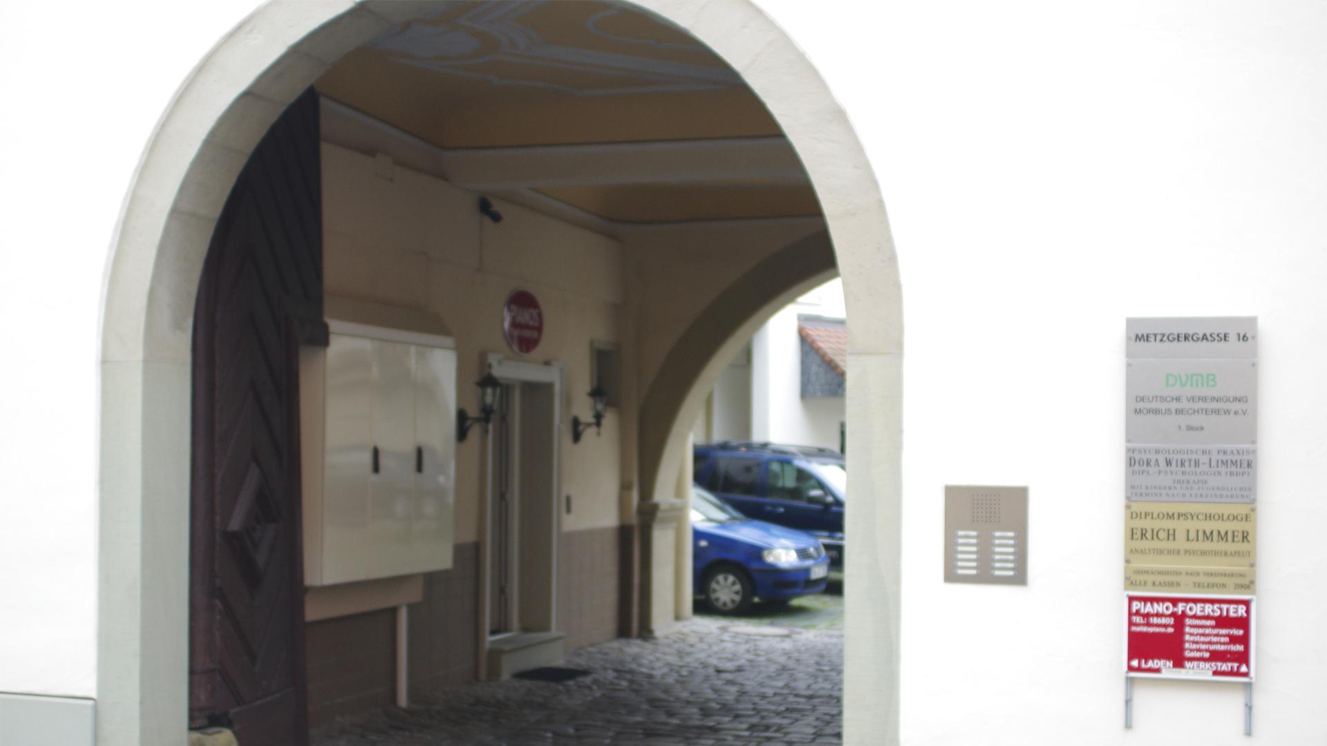 Eingang im Hinterhof | © Andrea Back