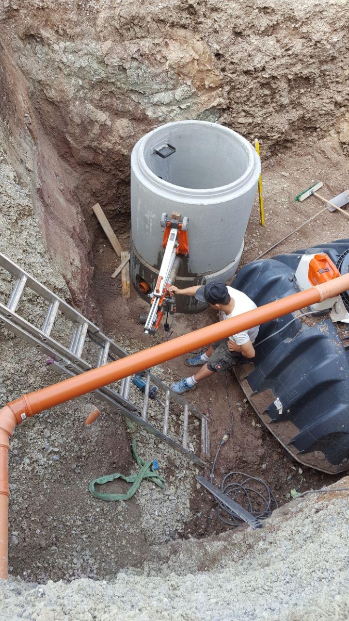 Tiefbauarbeiten: Kanalanschluss und Zisterne