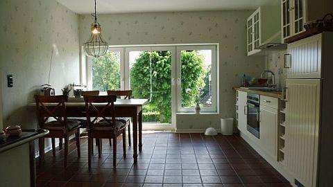 Küche mit Blick auf die Hase...