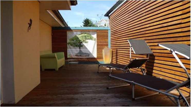 Gr.Terrasse mit Sonnenliegen...