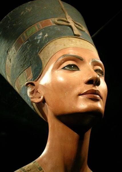 Buste de Néfertiti, vers 1340 avant J.-C