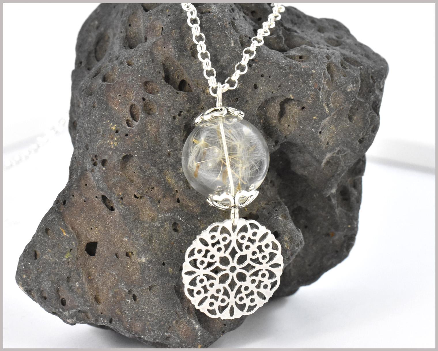 Pusteblumenkette mit Glasperle und echtem Samen sowie Anhänger Lebensblume
