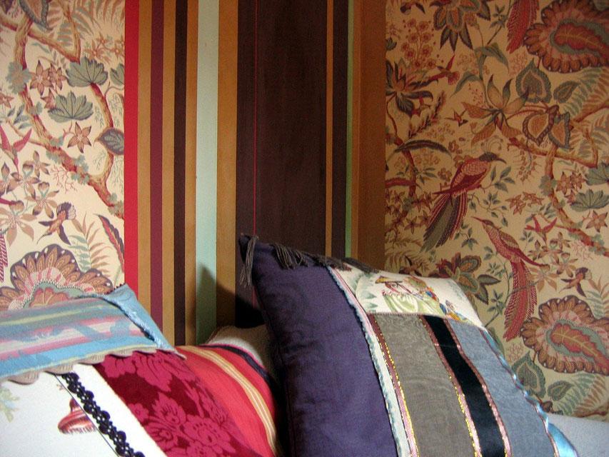 détail bayadère/papier peint chambre d'ami