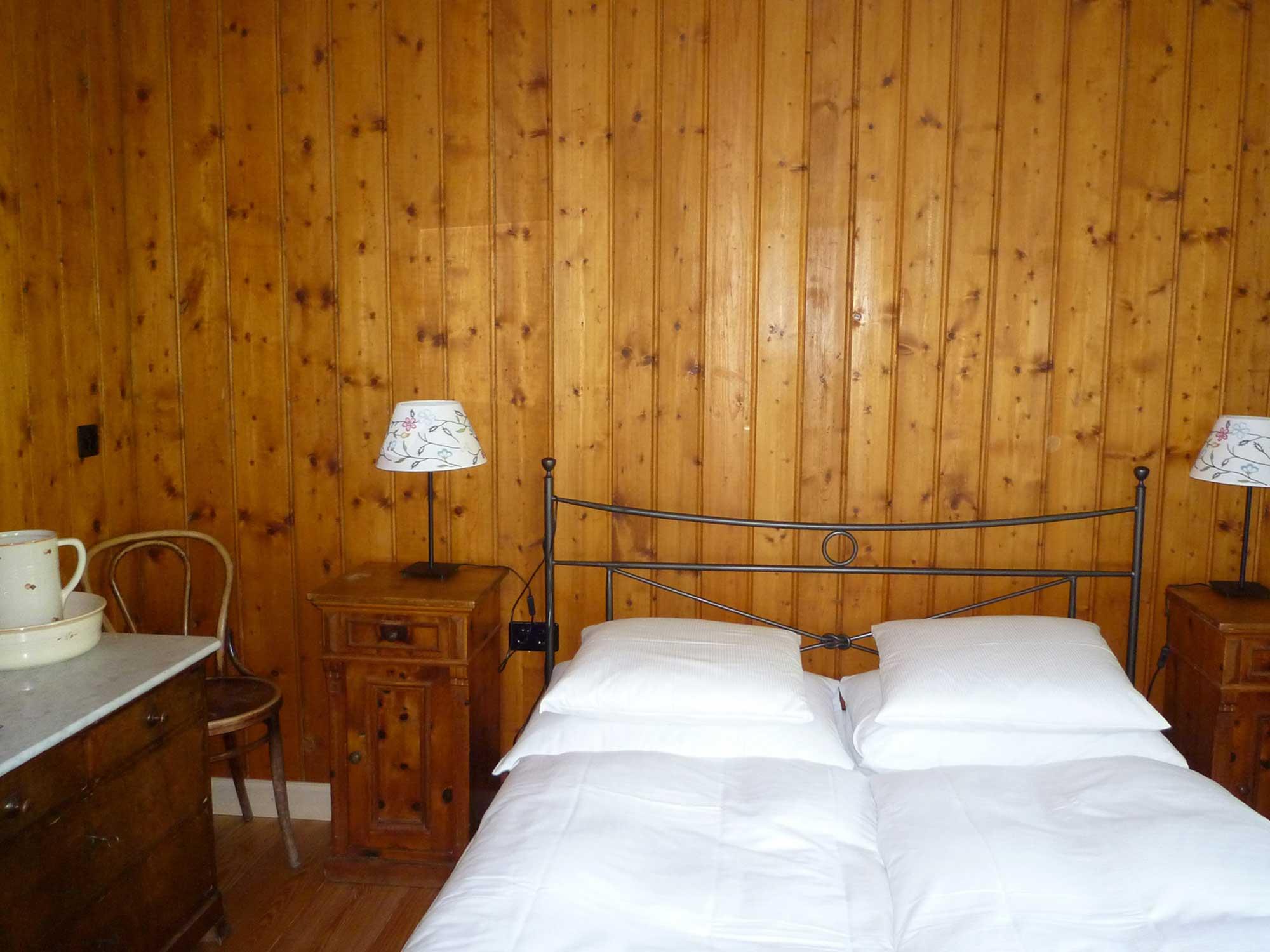 Alla fine di un viaggio c 39 sempre un letto da ricordare un viaggio da riccominciare hotel fex - Letto da viaggio ...