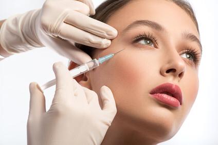 Mesotherapie gegen Augenschatten und Tränensäcke