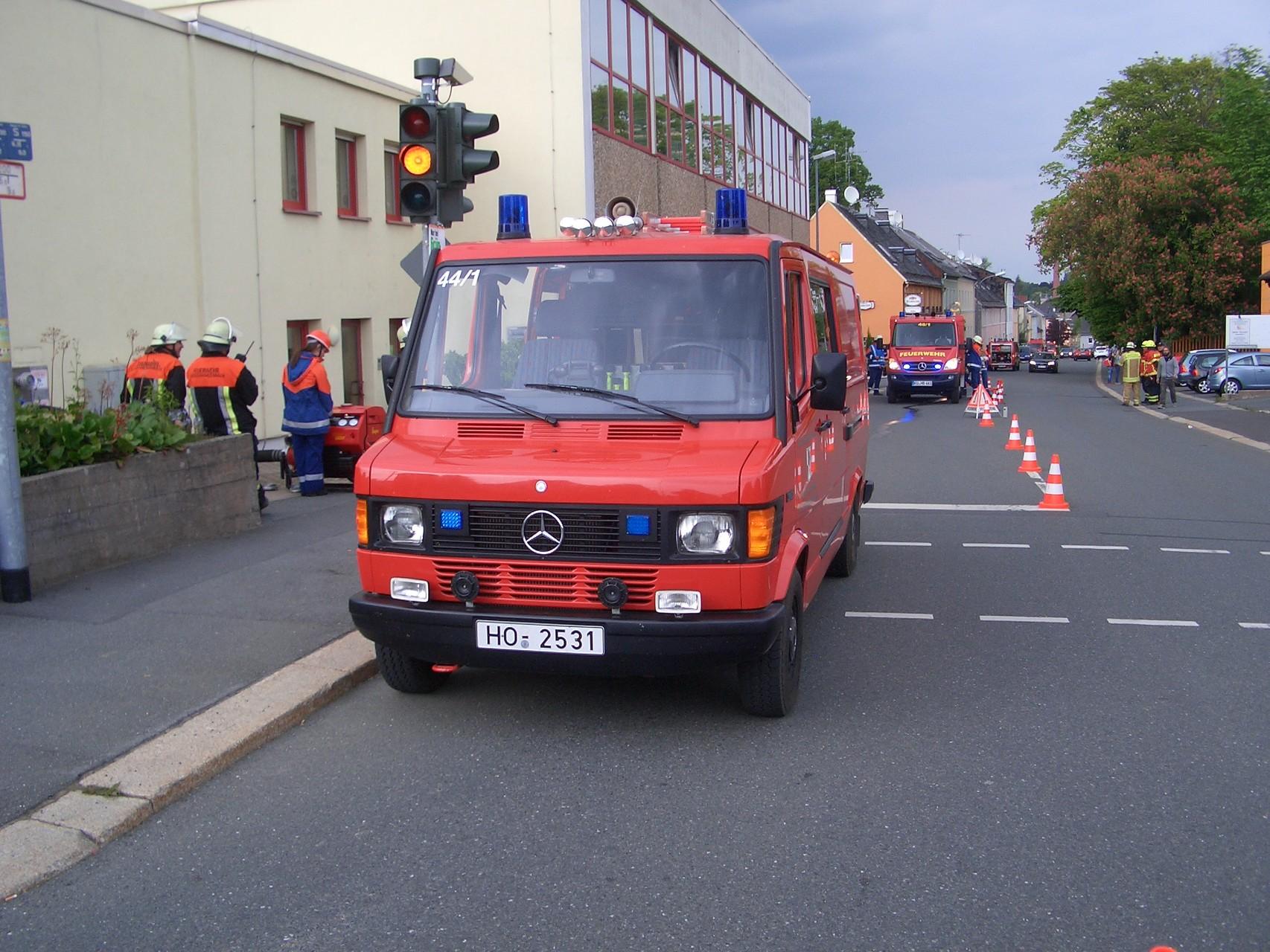 Mercedes 311 TSF: Seit 1992 ist dies unser treues Einsatzfahrzeug. Für die Einsätze und Mannschaftsstärke ausreichend leistet es bisher problemlos seinen Dienst.