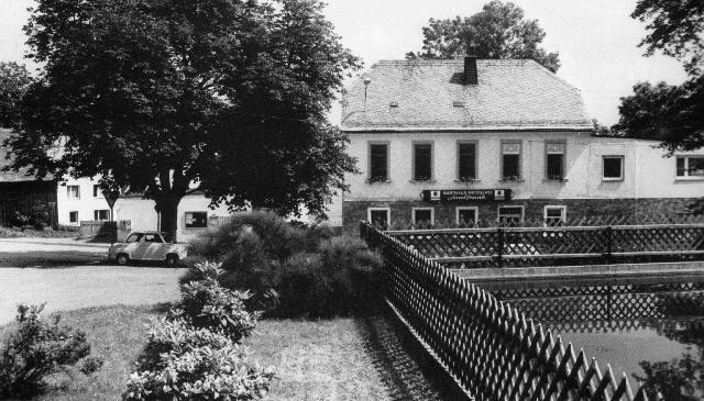 Dorfteich mit blick auf Gasthaus Saalfrank
