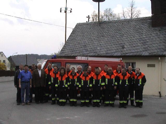 2004 erhielten wir für alle Aktiven die Schutzanzüge Bayern 2000, die den bisherigen Anzug Bayern 2 ersetzten.