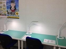 自習スペース完備!自習は教室が開いている時間いつでも利用可能です。