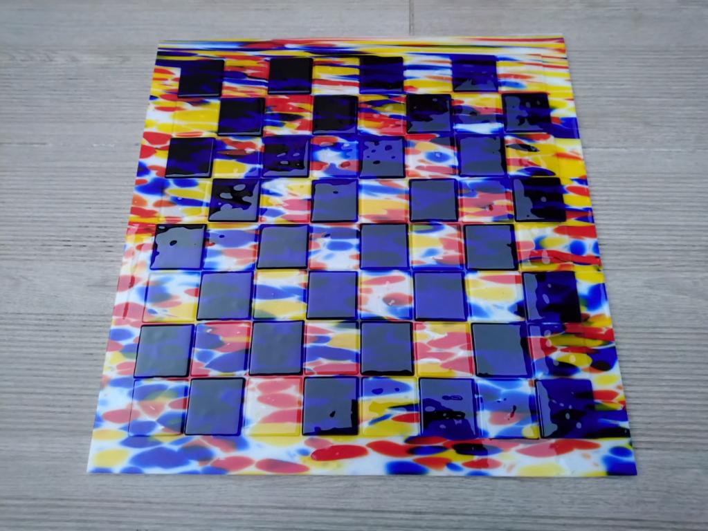 Plateau 18 Verre cases 45x45 mm : 150€ (vendu avec pièces dédiées)