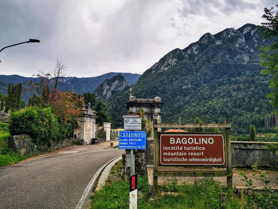 Am Ortseingang von Bagolino