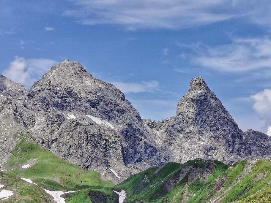 Mädelegabel (links) und die lachende Trettachspitze (rechts) 😄