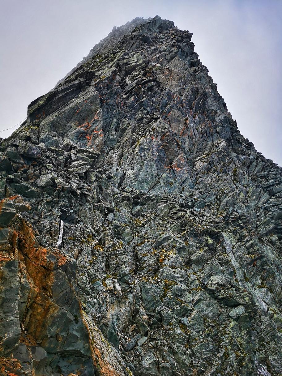 Steiler Aufschwung auf dem Weg zur Tulpspitze