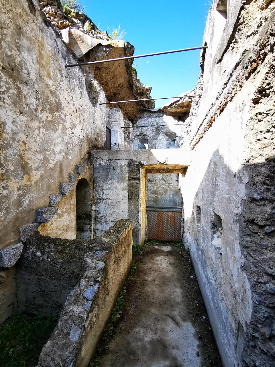 Blick in die verfallenen Festung