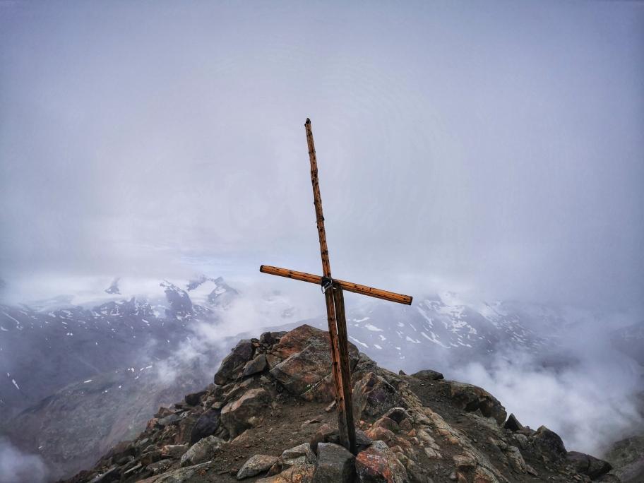 Am Gipfel der Hinteren Guslarspitze auf 3.147m