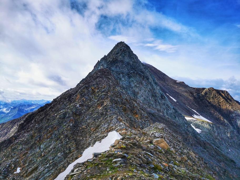 Die Tulpspitze - brüchiges und steiles Terrain erwartet uns hier