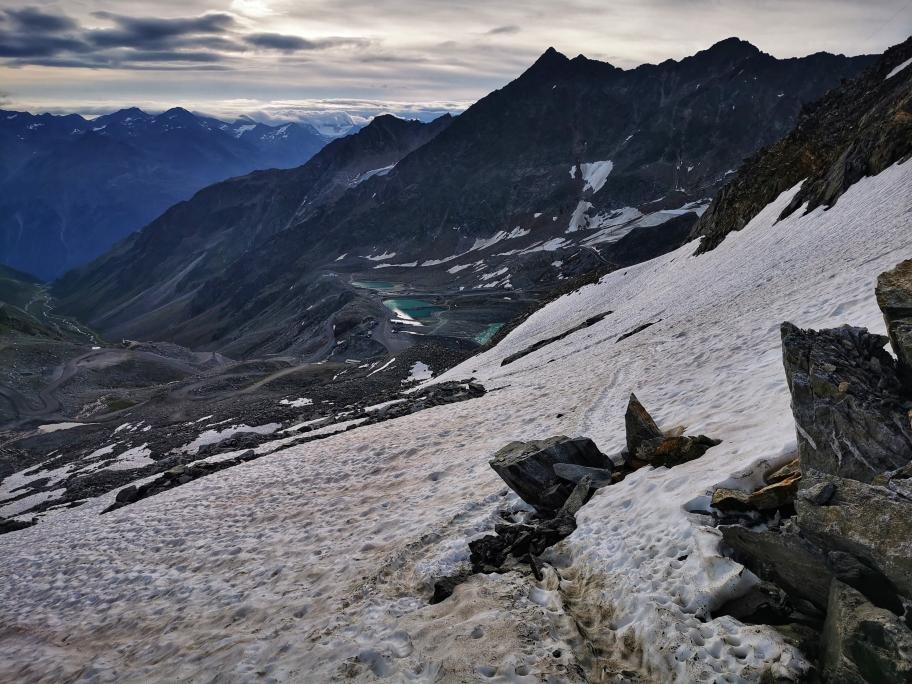 Auf dem Gletscherrest unterhalb des Pitztaler Jöchl