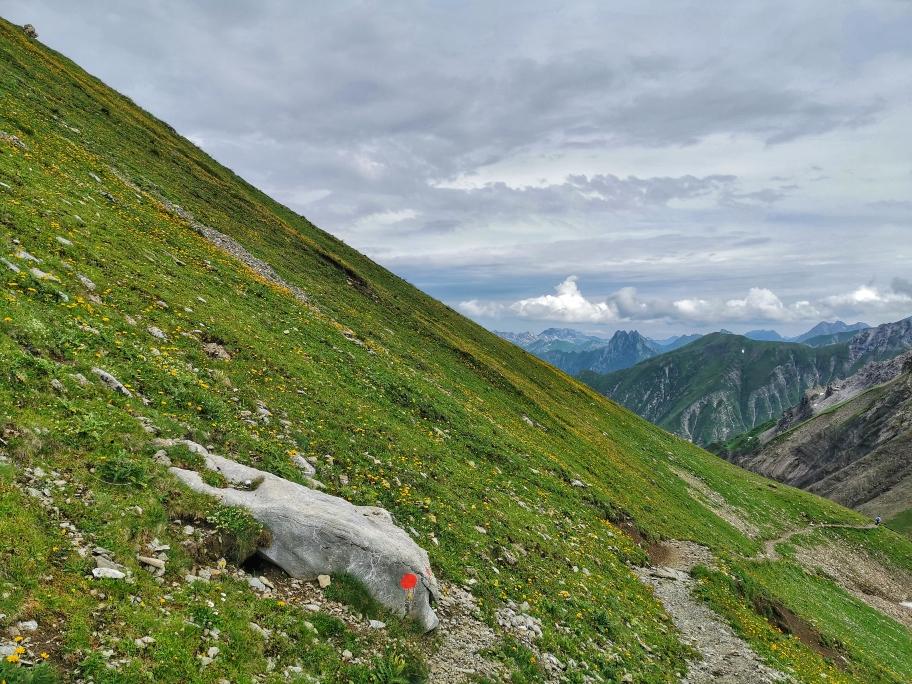Gemütlicher Panoramaweg zur Kemptner Hütte