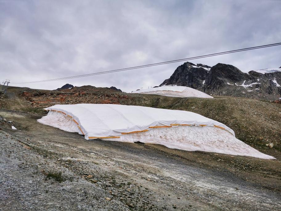 Schneereserven für die kommende Skisaison