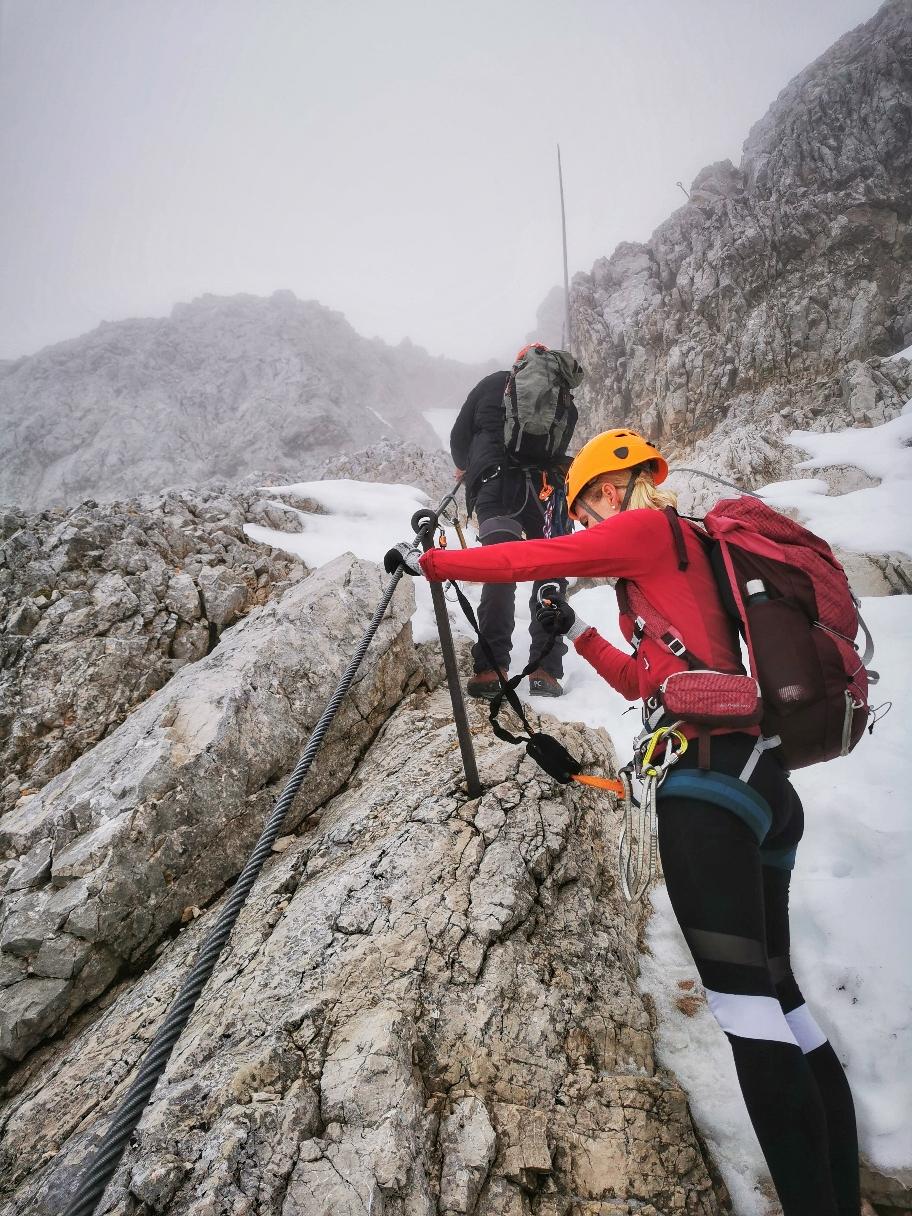 Schneereste kurz vor dem Gipfel