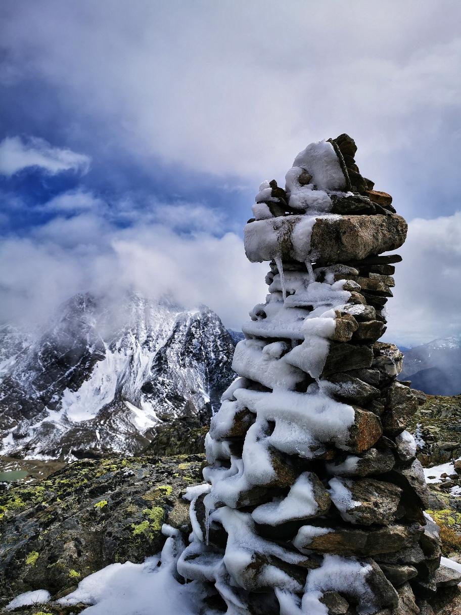 Frostig schön beim Abstieg vom Gipfel