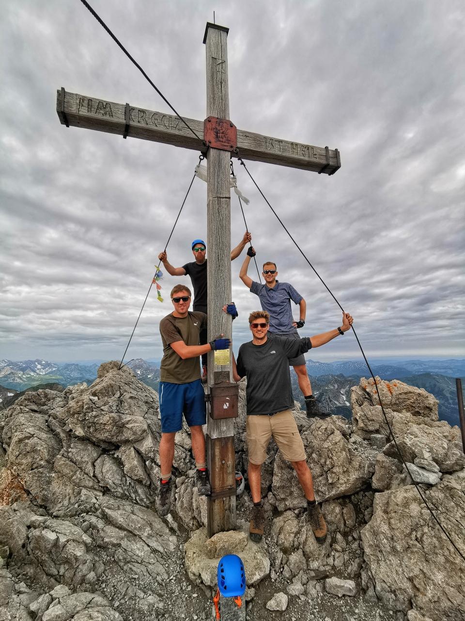 Gipfelglück auf der Mädelegabel