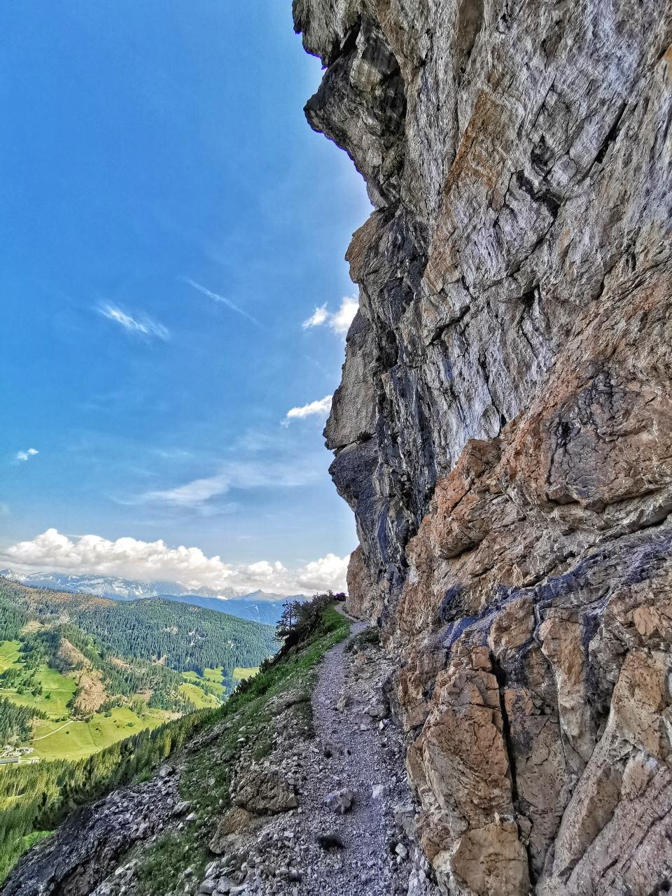 Toller Panoramaweg beim Abstieg vom Grande Apostolo
