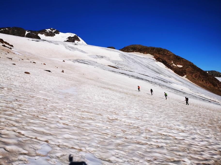 Die 4er-Seilschaft auf dem Weg zum Monte Cevedale 3.769m