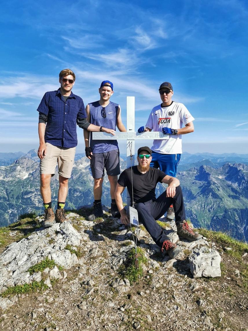 Am Gipfel des Rappenseekopf auf 2.469m