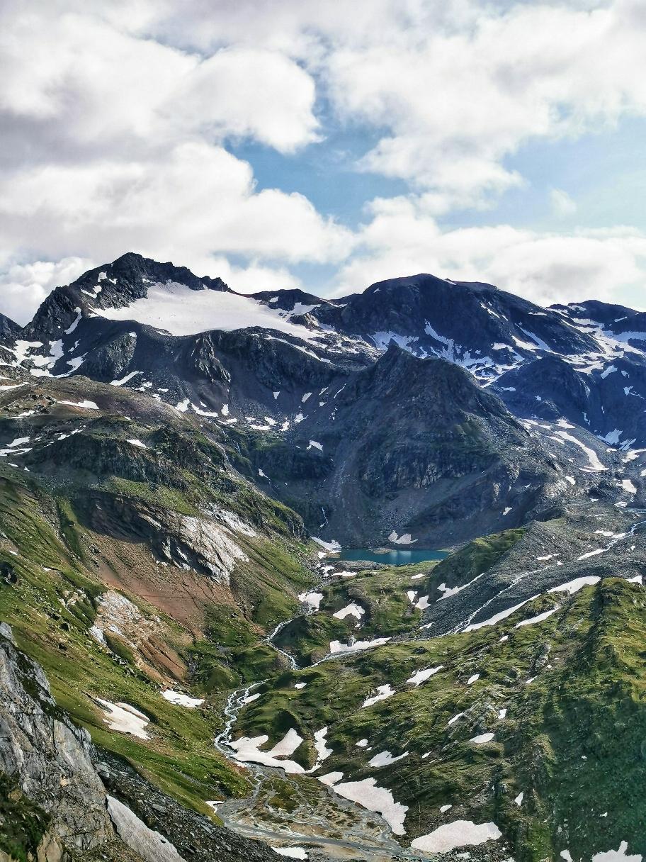 Toller Blick auf Eissee, Seewandspitze und Weißspitze (oben links)