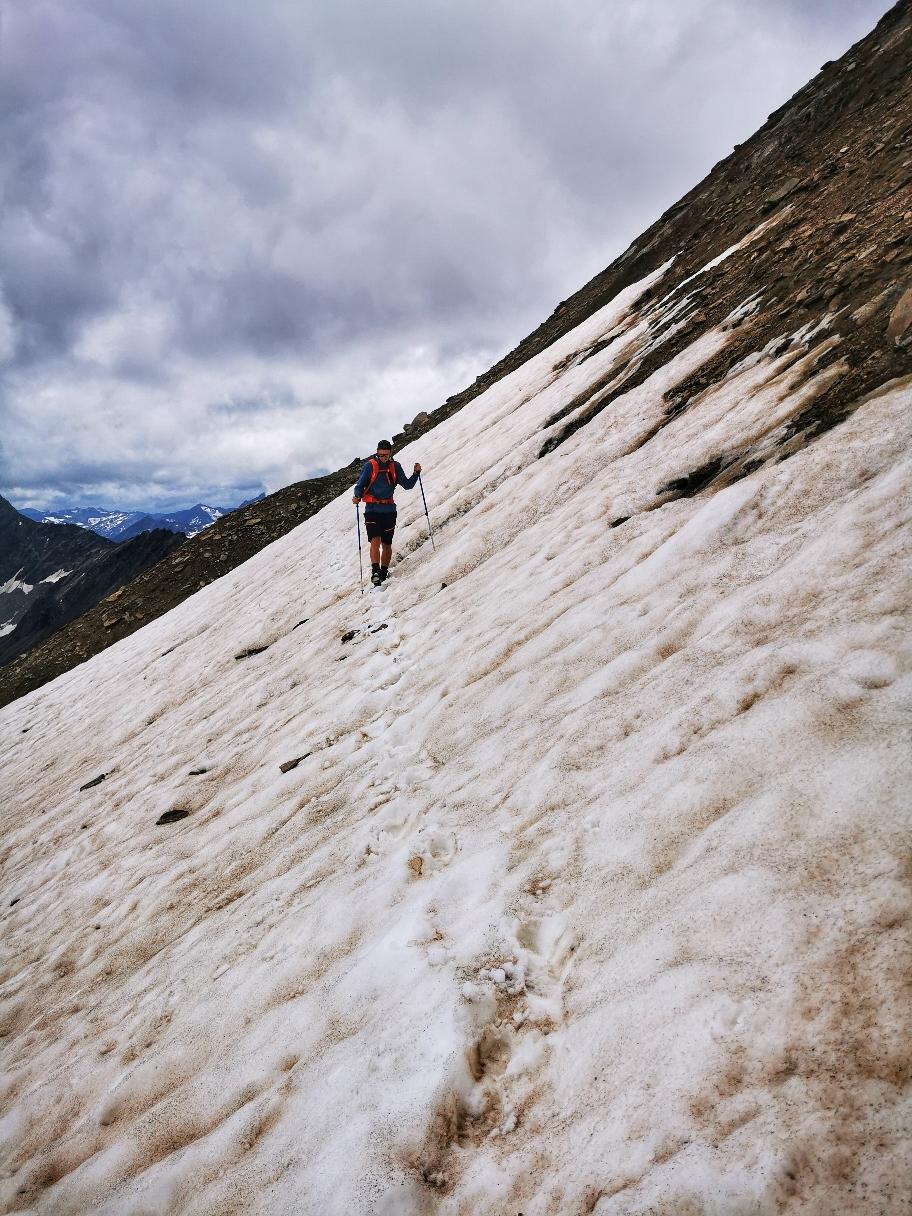 Über den Gletscherrand geht's hinauf zur Weißspitze