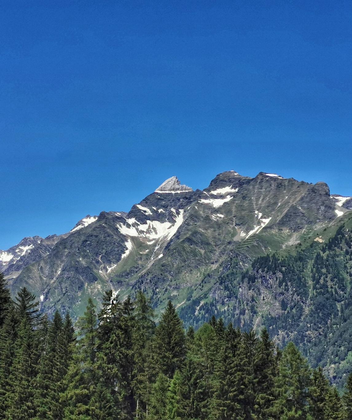 Die Weißwandspitze vom Tal aus gesehen