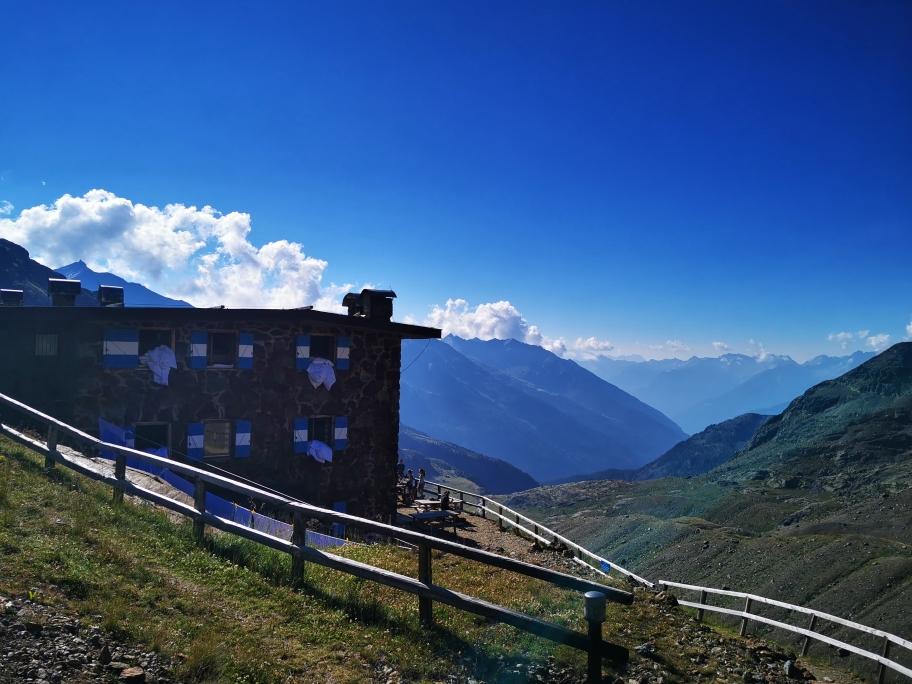 Das Rifugio Cevedale auf 2.610m