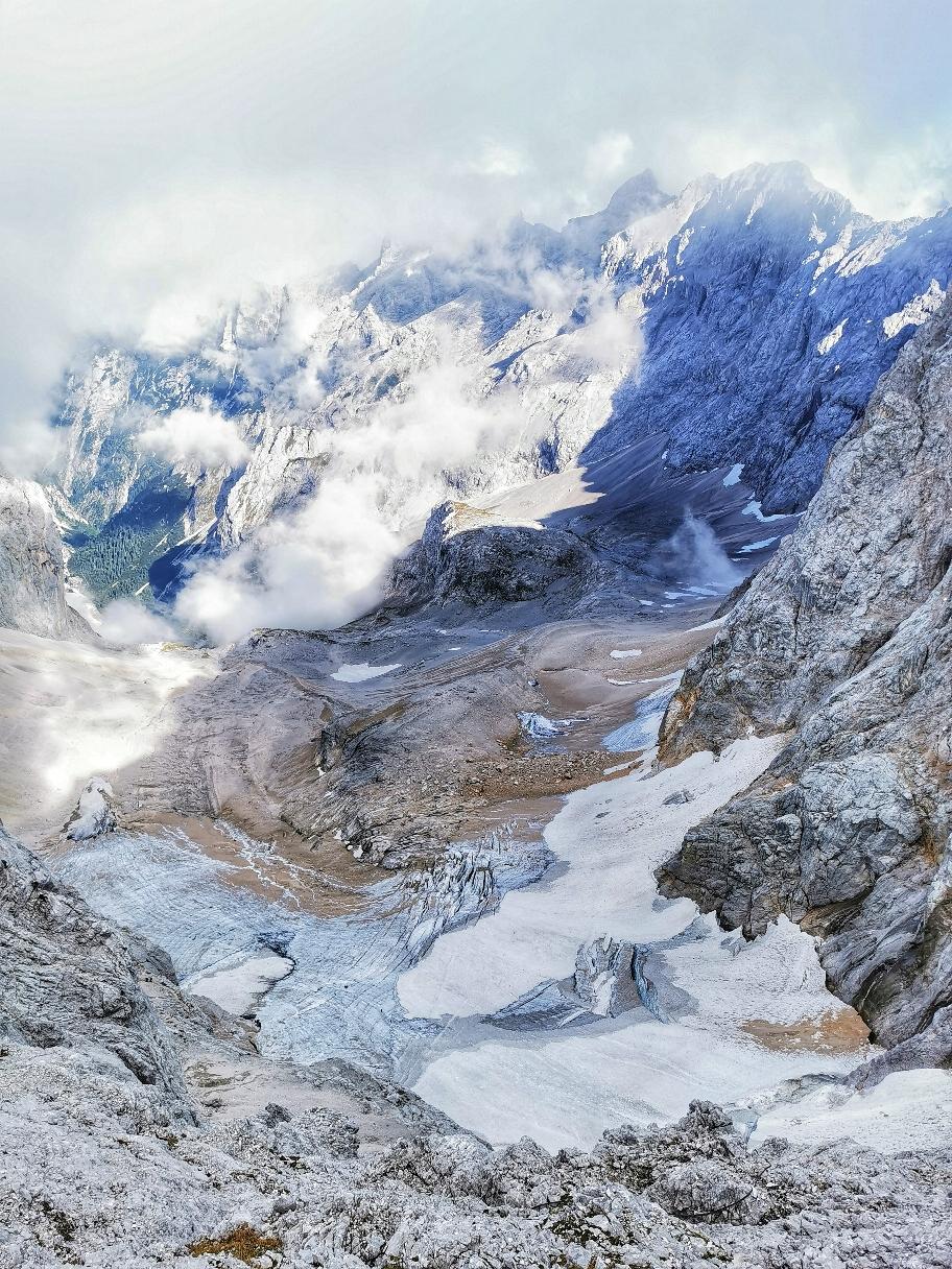 400m unter uns liegt der Gletscher