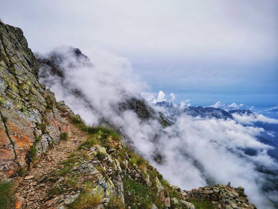 ... teilweise über den Wolken, bis endlich...