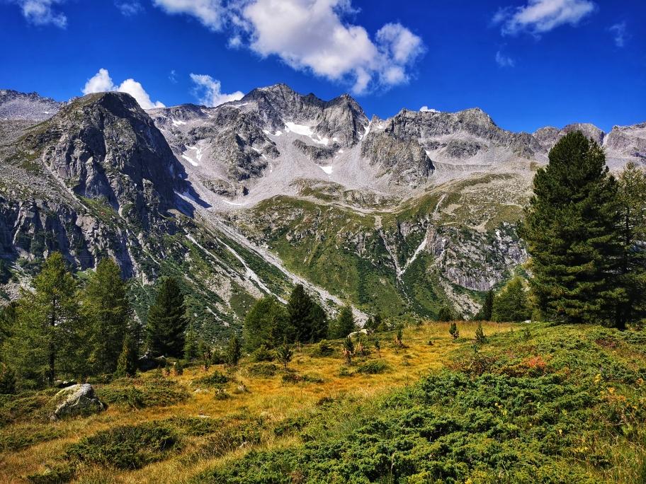 Perfektes Bergpanorama am Aufstieg zum Rifugio Garibaldi